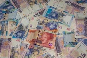 Monnaies africaines (Crédits : Martijn Barendse, licence Creative Commons)