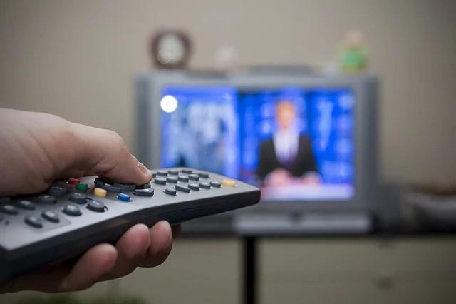 Télévision (Crédits : Flash-pro, licence Creative Commons)