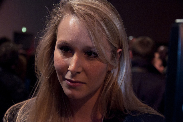 """Marion Maréchal-Le Pen (Crédits :  Rémi Noyon, <a href=""""https://creativecommons.org/licenses/by/2.0/"""" target=""""_blank"""">licence CC-BY 2.0</a>), via <a href=""""https://www.flickr.com/photos/remijdn/7103902737"""" target=""""_blank"""">Flickr</a>."""