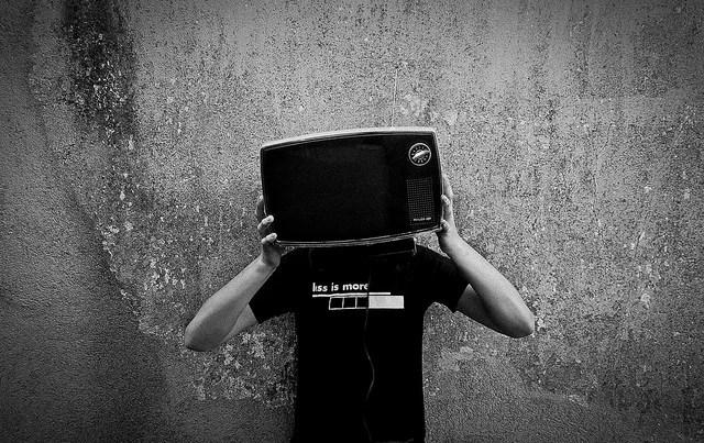 tv credits arthur cruz (licence creative commons)