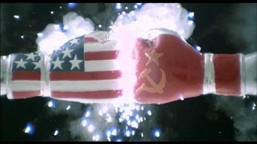 Capture d'écran Générique de début de Rocky IV Credit TD5RockyRambo (Creative Commons)