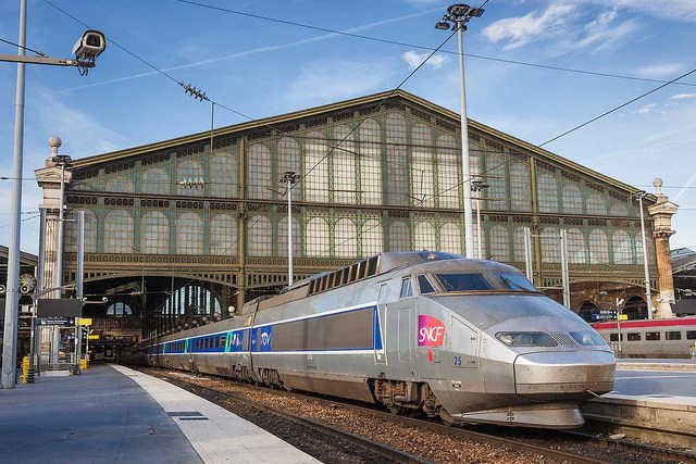 SNCF TGV (Crédits : Renaud Chodkowski, licence Creative Commons)