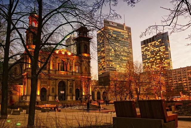 Pologne Varsovie credits Adam Smok (licence creative commons)