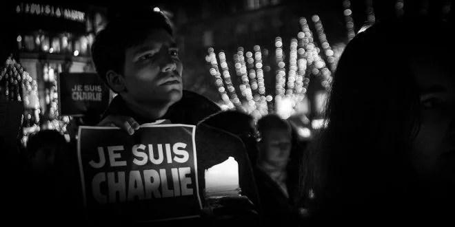 Je Suis Charlie - rassemblement à Strasbourg après l'attentat à Charlie-Hebdo (Crédits Claude TRUONG-NGOC, licence Creative Commons)