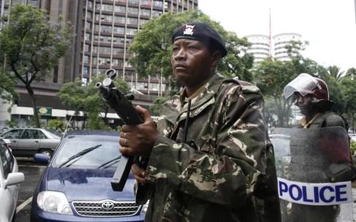 Police Kenya credits Global Panorama (licence creative commons)