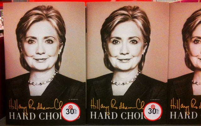 Hillary Clinton credits Mike Mozart (CC BY 2.0)