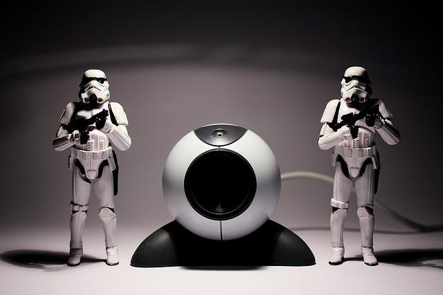 Darth Vader is watching you - Credits Stéfan (CC BY-NC-SA 2.0)