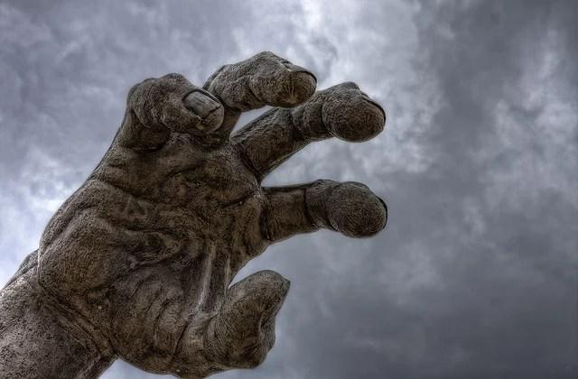 Oppression (Crédits : Jason OX4, licence CC-BY-SA 2.0), via Flickr.