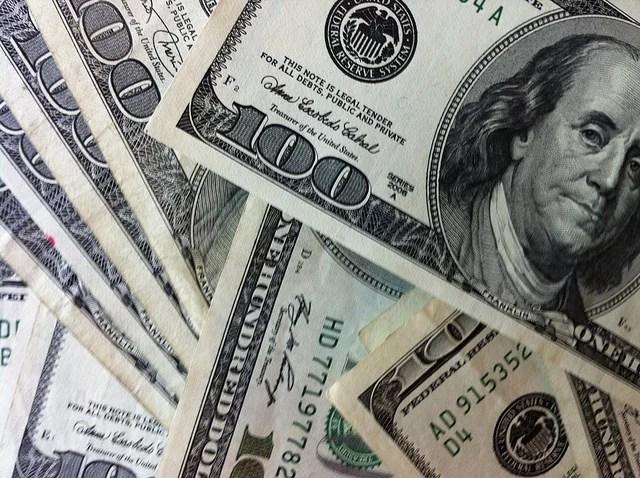 Philip Taylor-100 Dollars Bills-Creative Commons