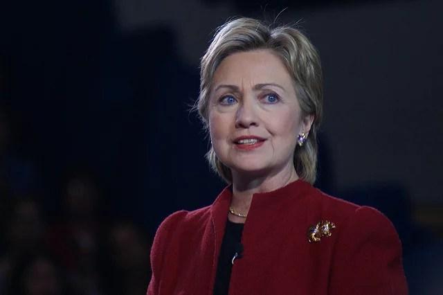 Hillary Clinton a encore des ennuis avec le FBI