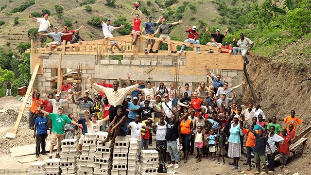Convergint Colleagues in Haiti lending a hand header image