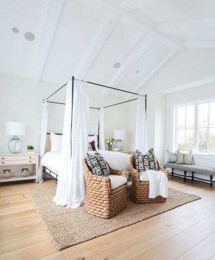 Awesome Farmhouse Style Master Bedroom Ideas 15
