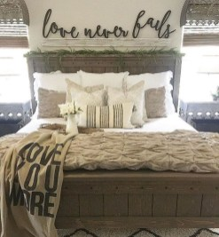 Awesome Farmhouse Style Master Bedroom Ideas 21