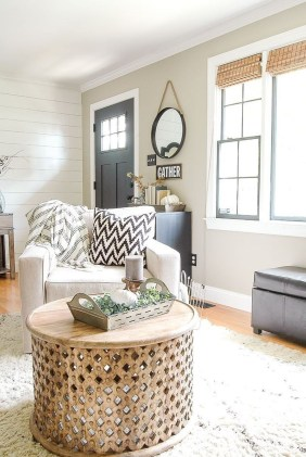 Fantastic Simple Farmhouse Home Decor Ideas 37