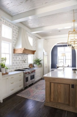 Cute Farmhouse Kitchen Backsplash Ideas 08