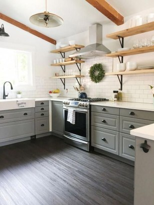 Cute Farmhouse Kitchen Backsplash Ideas 09