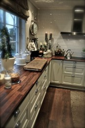 Cute Farmhouse Kitchen Backsplash Ideas 19