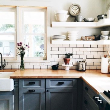 Cute Farmhouse Kitchen Backsplash Ideas 45