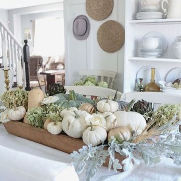 Lovely White Fall Decor Ideas For Interior Design 16