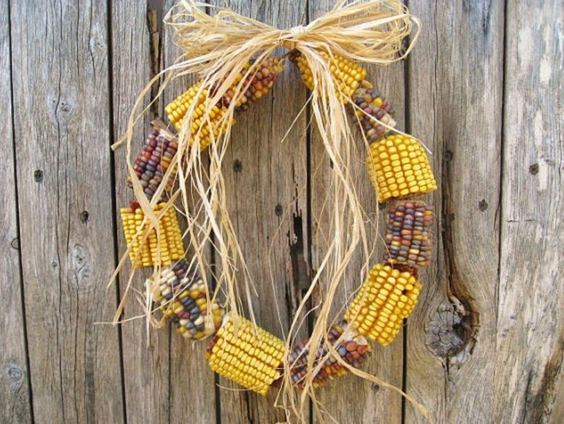 Stylish Fall Wreaths Ideas With Corn And Corn Husk For Door 09