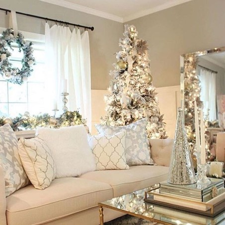 Adorable Gold Christmas Decoration Ideas 61