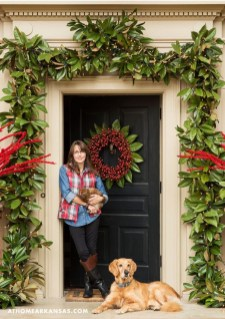 Brilliant Christmas Front Door Decor Ideas 25