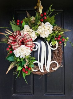 Brilliant Christmas Front Door Decor Ideas 33