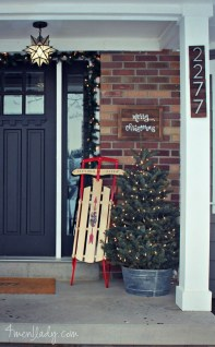Brilliant Christmas Front Door Decor Ideas 34