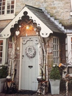 Brilliant Christmas Front Door Decor Ideas 36