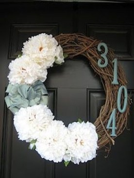 Brilliant Christmas Front Door Decor Ideas 48