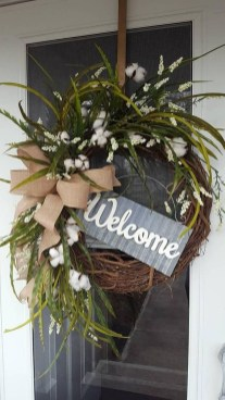 Brilliant Christmas Front Door Decor Ideas 49