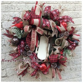 Magnificient Rustic Christmas Decorations And Wreaths Ideas 05