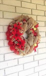 Magnificient Rustic Christmas Decorations And Wreaths Ideas 43