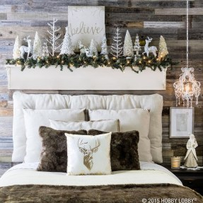 Stunning Christmas Bedroom Decor Ideas 09