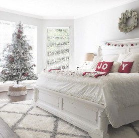 Stunning Christmas Bedroom Decor Ideas 38