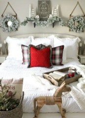 Stunning Christmas Bedroom Decor Ideas 52