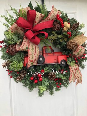 Wonderful Red Christmas Decoration Ideas 10