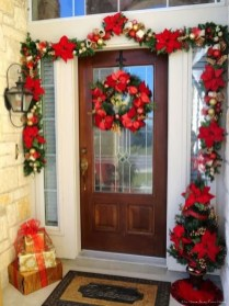 Wonderful Red Christmas Decoration Ideas 36