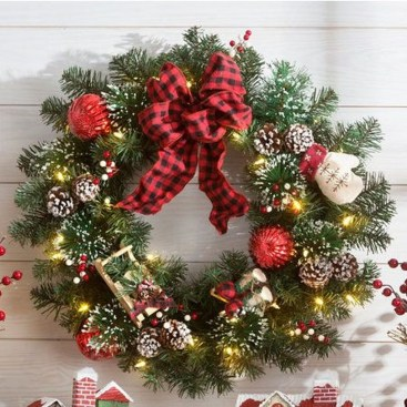Awesome Christmas Wreath Decoration Ideas For Your Home 10