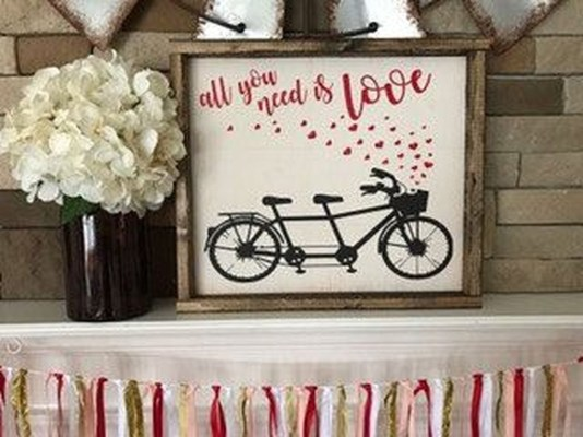 Comfy Valentine Decor Ideas For This Year 28