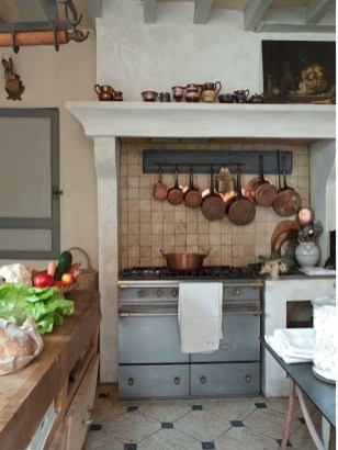 Delightful French Country Kitchen Design Ideas 07