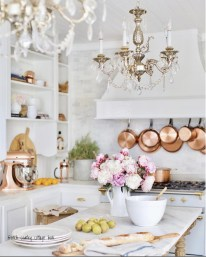 Delightful French Country Kitchen Design Ideas 33