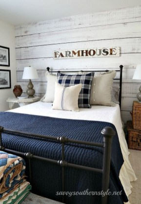 Stylish Farmhouse Bedroom Decor Ideas 24