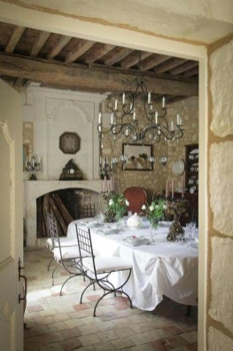 Amazing French Country Dining Room Table Decor Ideas 06