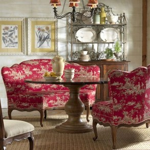 Amazing French Country Dining Room Table Decor Ideas 30