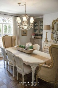 Amazing French Country Dining Room Table Decor Ideas 49