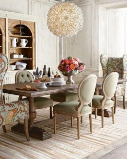 Amazing French Country Dining Room Table Decor Ideas 57