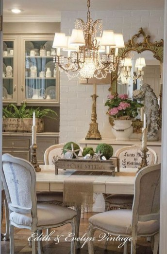 Amazing French Country Dining Room Table Decor Ideas 59
