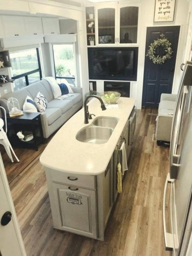 Amazing Travel Trailers Remodel Rv Living Ideas 07