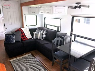 Amazing Travel Trailers Remodel Rv Living Ideas 22